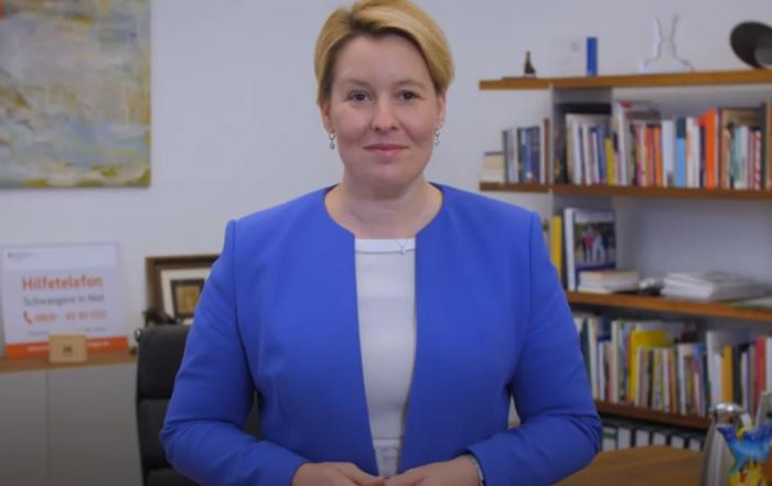 Bundesfamilienministerin Giffey würdigt Ehrenamtliche